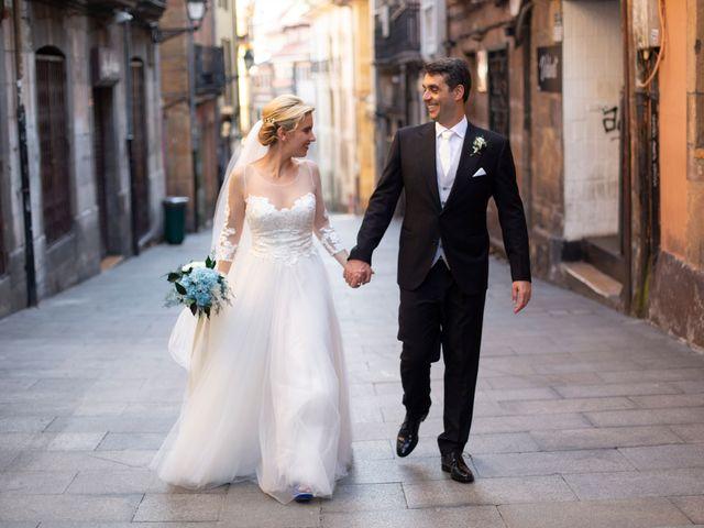 La boda de Gianlluca y Irene en Oviedo, Asturias 22