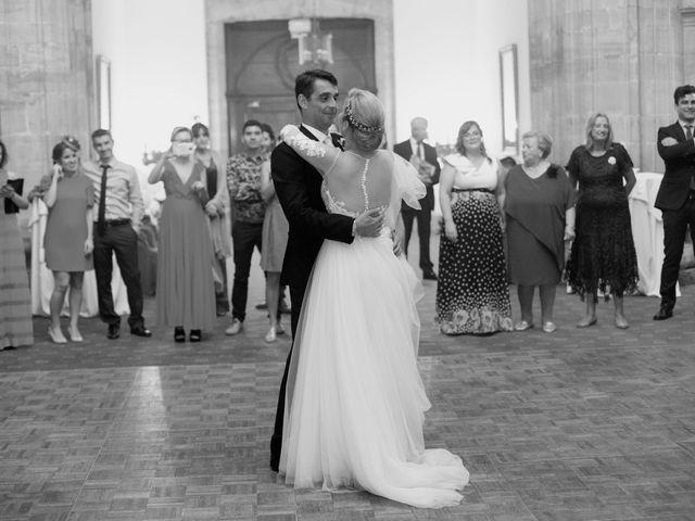 La boda de Gianlluca y Irene en Oviedo, Asturias 28