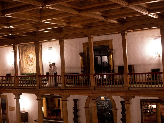 La boda de Gianlluca y Irene en Oviedo, Asturias 30