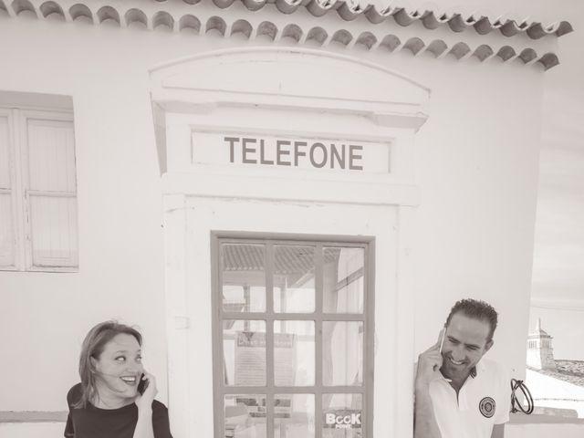 La boda de Juan y Noelia en Palomares Del Rio, Sevilla 36