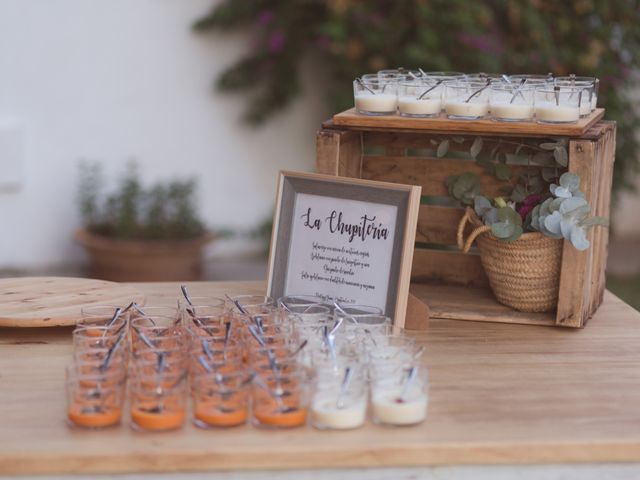 La boda de Juan y Noelia en Palomares Del Rio, Sevilla 43