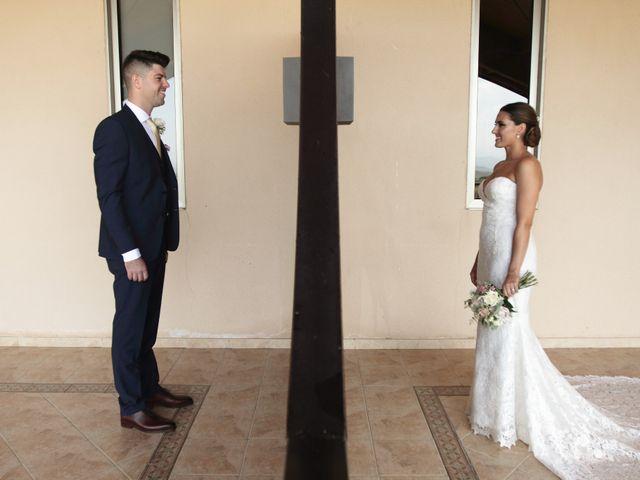 La boda de Lara y Tom
