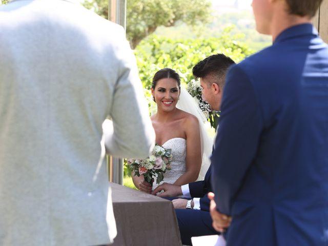 La boda de Tom y Lara en Paganos, Álava 16