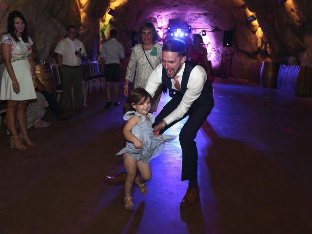La boda de Tom y Lara en Paganos, Álava 34