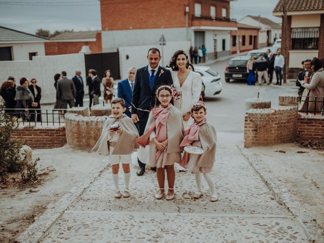 La boda de David y Africa en Pueblo Rielves, Toledo 16