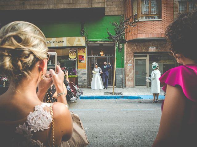 La boda de Antonio y Sara en Villena, Alicante 17