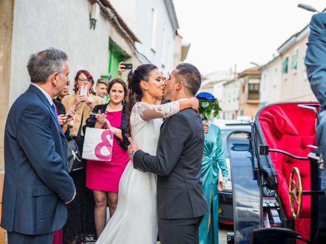 La boda de Enrique y Carmen en Daimiel, Ciudad Real 24