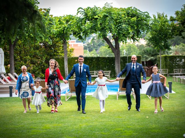 La boda de Frank y Evelyn en Sant Fost De Campsentelles, Barcelona 11