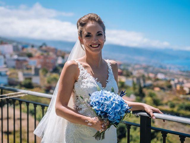 La boda de Beatriz y Daniel en La Victoria De Acentejo, Santa Cruz de Tenerife 13
