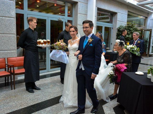 La boda de Carlos y Mari Carmen en Madrid, Madrid 122