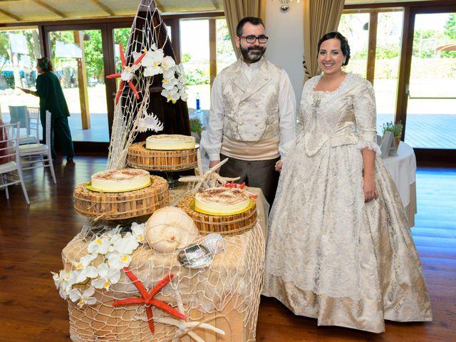La boda de Bati  y Ampi en Alfafar, Valencia 5