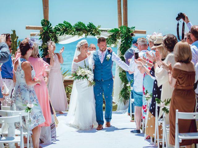 La boda de Kye y Beth en Marbella, Málaga 17