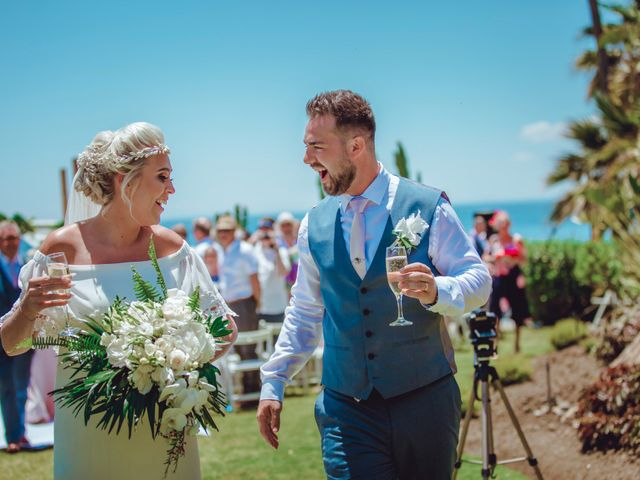 La boda de Kye y Beth en Marbella, Málaga 18