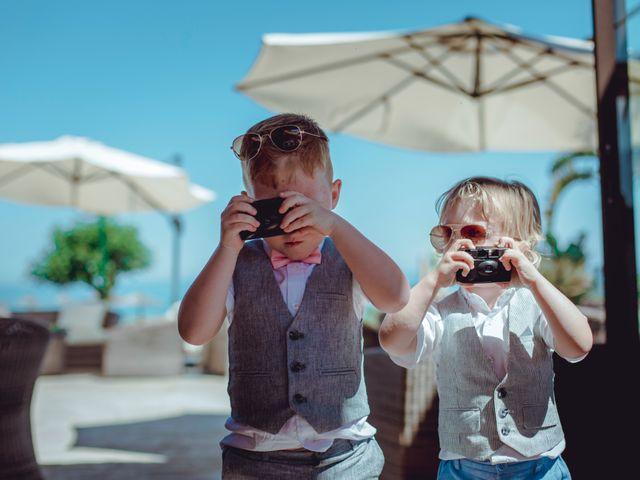 La boda de Kye y Beth en Marbella, Málaga 26