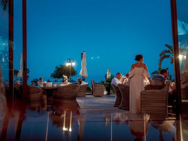 La boda de Kye y Beth en Marbella, Málaga 33