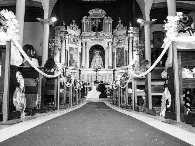 La boda de Javier y Lida en Dos Hermanas, Sevilla 48