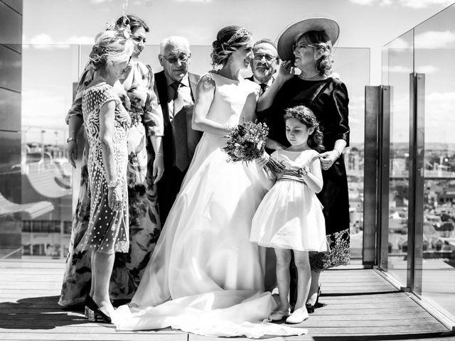 La boda de David y Paula en Zaragoza, Zaragoza 17
