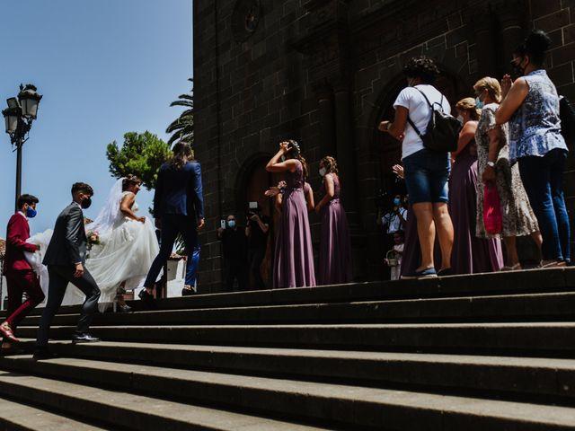 La boda de Marco y Dévora en Tacoronte, Santa Cruz de Tenerife 13