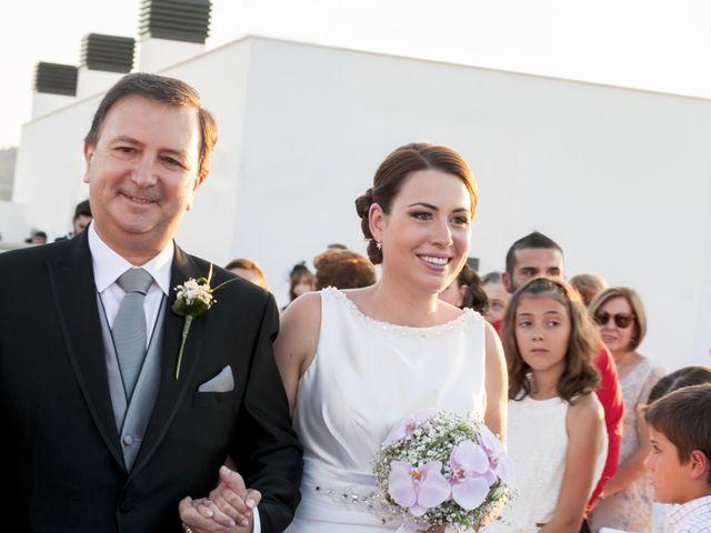 La boda de Robert y Gal.la en Playa De Gandia, Valencia 10
