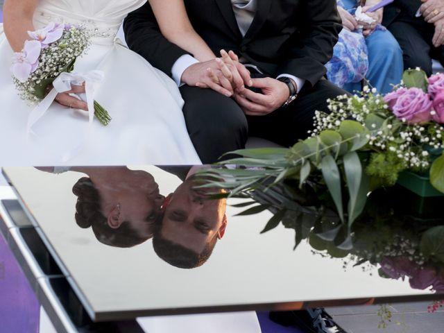 La boda de Robert y Gal.la en Playa De Gandia, Valencia 12