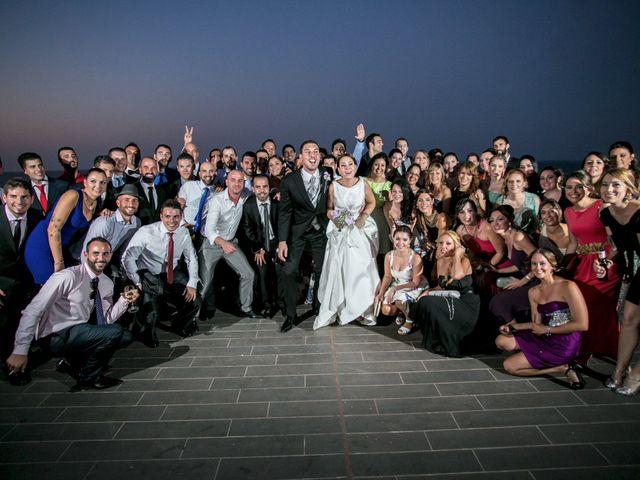 La boda de Robert y Gal.la en Playa De Gandia, Valencia 18