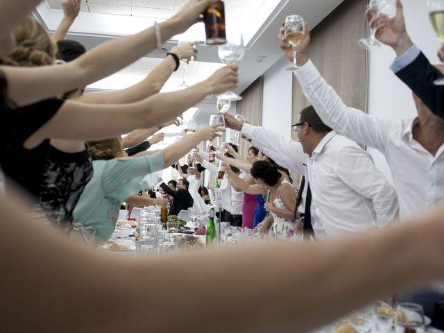 La boda de Robert y Gal.la en Playa De Gandia, Valencia 23