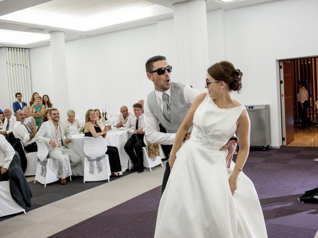 La boda de Robert y Gal.la en Playa De Gandia, Valencia 24