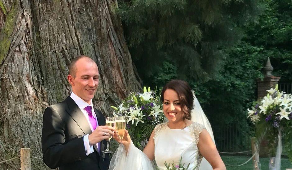 La boda de Víctor y Maria  en León, León