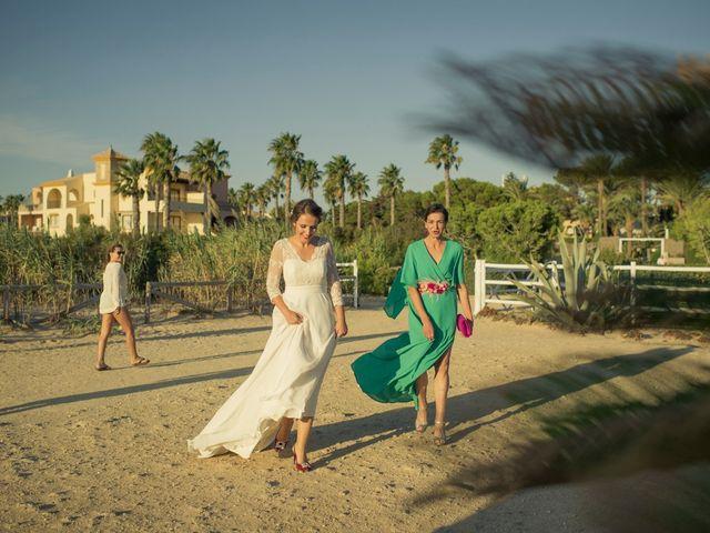 La boda de Felipe y Ursula en Zahara De Los Atunes, Cádiz 24