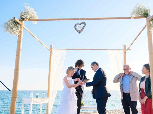 La boda de Norverto y Montserrat en Arenys De Mar, Barcelona 9