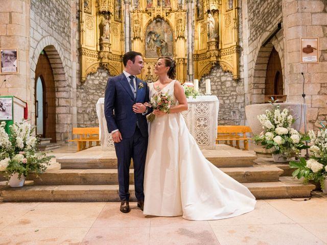 La boda de Unai y Leire en Getxo, Vizcaya 24