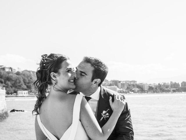 La boda de Unai y Leire en Getxo, Vizcaya 32