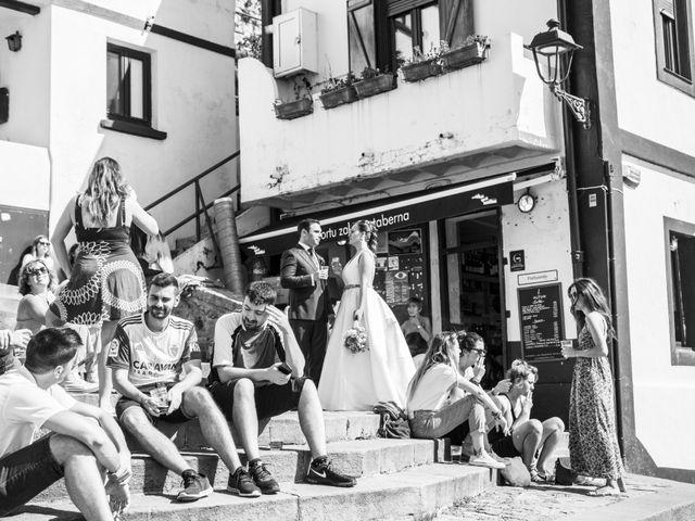 La boda de Unai y Leire en Getxo, Vizcaya 36