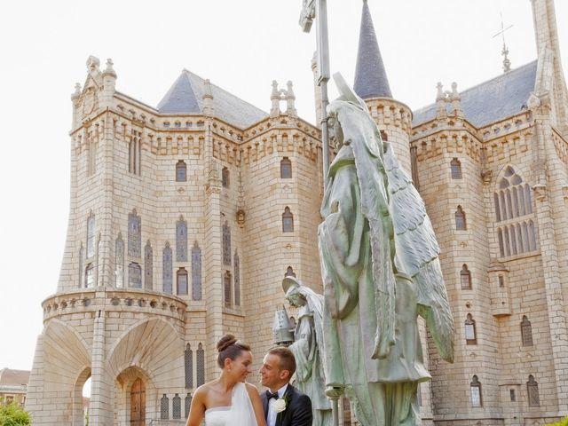 La boda de Pablo y Leticia en La Bañeza, León 22