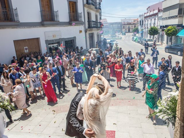 La boda de Manuel y Mª Carmen en Aceuchal, Badajoz 16