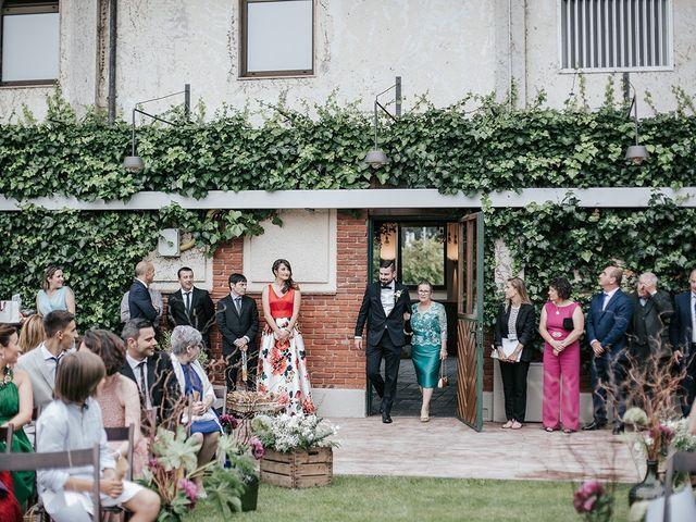 La boda de Dani y Natalia en Gijón, Asturias 17