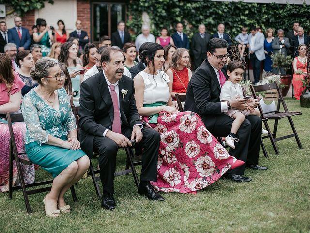 La boda de Dani y Natalia en Gijón, Asturias 27