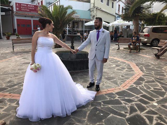 La boda de Alejandro y Fany en Candelaria, Santa Cruz de Tenerife 20