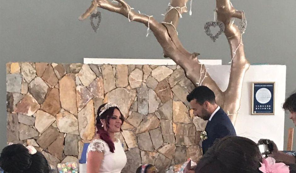 La boda de Canton  y Madel en Almería, Almería