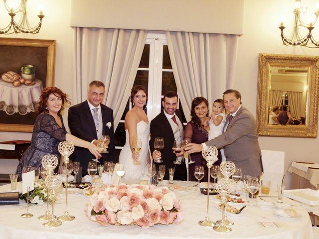 La boda de Rubén y Aroa en Espartinas, Sevilla 14
