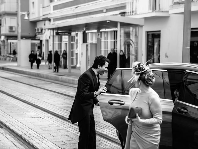 La boda de Juanjo y Alicia en San Fernando, Cádiz 2