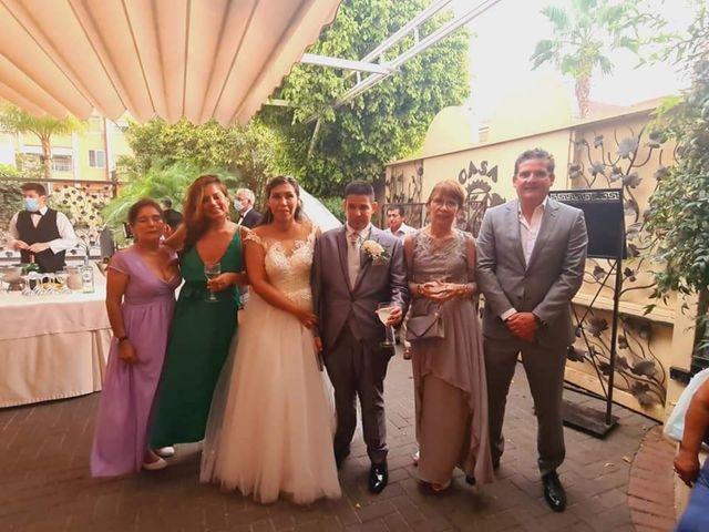 La boda de Jose Antonio y Karla Patricia en Valencia, Valencia 11