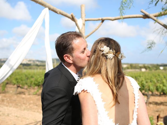 La boda de Toni y Gloria en El Vendrell, Tarragona 13