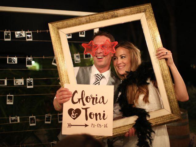 La boda de Toni y Gloria en El Vendrell, Tarragona 22