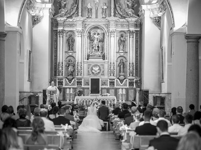 La boda de Beatriz y Jose Luis en San Sebastian De Los Reyes, Madrid 25