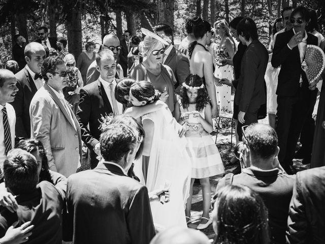 La boda de Raul y Lorena en Rascafria, Madrid 68
