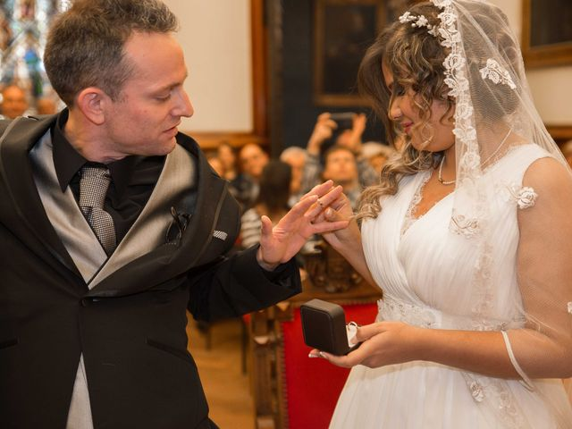 La boda de Dani y Yez en Terrassa, Barcelona 22