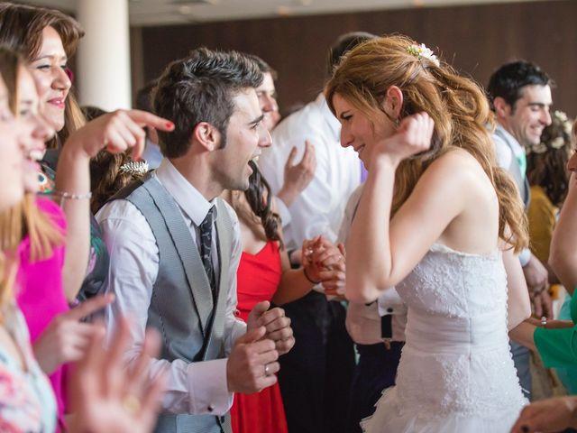 La boda de Zuhaitz y Marah en Santurtzi, Vizcaya 28