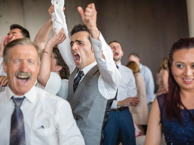 La boda de Zuhaitz y Marah en Santurtzi, Vizcaya 29