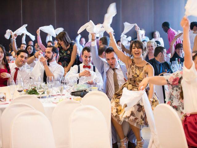 La boda de Zuhaitz y Marah en Santurtzi, Vizcaya 32